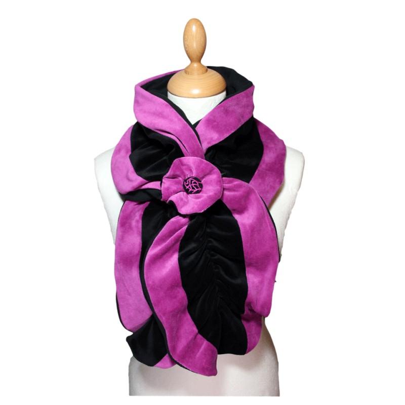 echarpe femme en velours et polaire coloris noir et rose purple pom 39 grignote. Black Bedroom Furniture Sets. Home Design Ideas