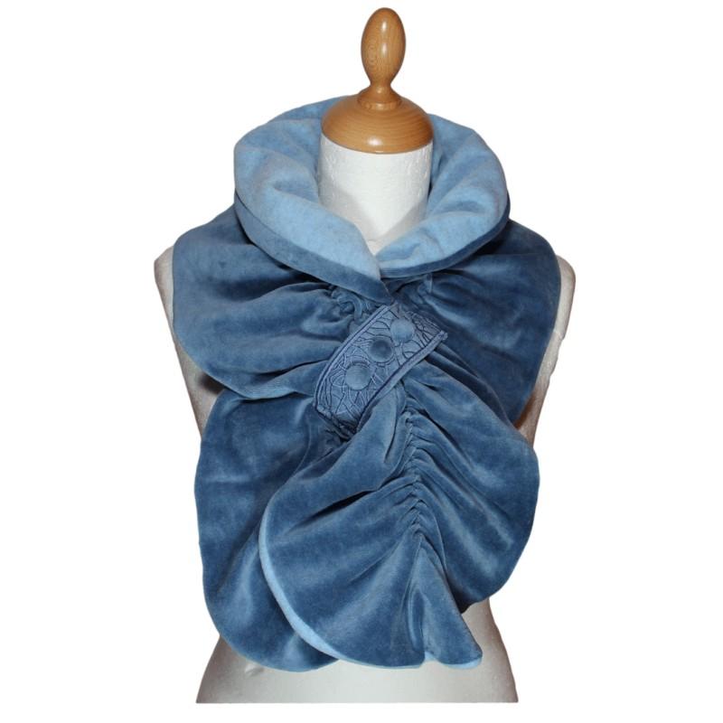 ECHARPE FEMME en VELOURS et POLAIRE - Coloris bleu ciel grisé - Pom ... 8841e70cac7