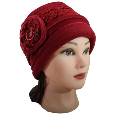 CHAPEAU FEMME en VELOURS coloris rouge cuivré et laine plumetis coordonnée. Jolie fleur agrémentée d'un bouton émaillé.