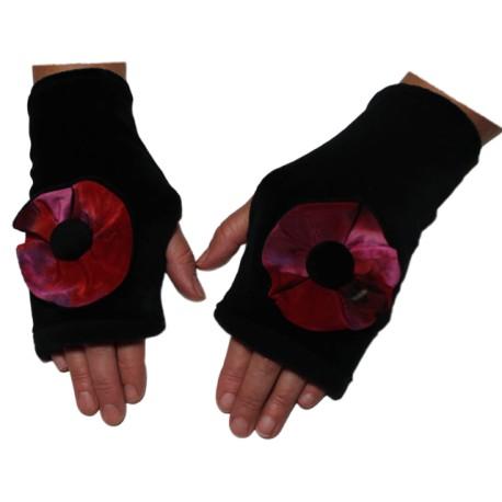 MITAINES en VELOURS doublées POLAIRE - Coloris noir et fleur imprimée à dominance rouge et rose