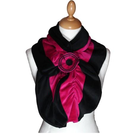 ECHARPE FEMME en VELOURS et POLAIRE - Coloris noir et fuchsia - Pom ... 7b96d137c07