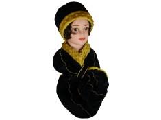 ENSEMBLE Chapeau et Echarpe Coloris noir et surpiqûres de couleur jaune en VELOURS coordonné entièrement doublé POLAIRE.